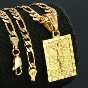 "18k Jesus Christ Pendant w/18"" Figaro Chain"