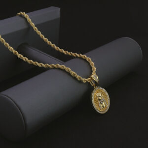 "ROUND JESUS Pendant w/24"" Rope Chain"