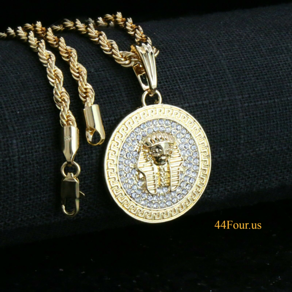 "Egyptian Pharaoh Medallion w/20"" Rope Chain"