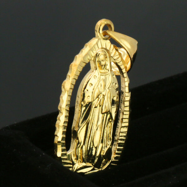 "Holy Virgin Mary Oval Charm Pendant With 5mm 24"" Figaro Necklace Chain"